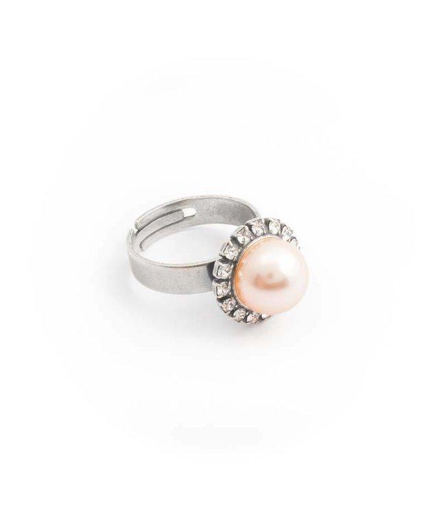 Krikor Perzik roze parel ring 10 mm light peach met kristal