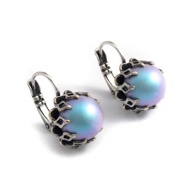 Krikor Licht blauwe oorbellen kroonzetting