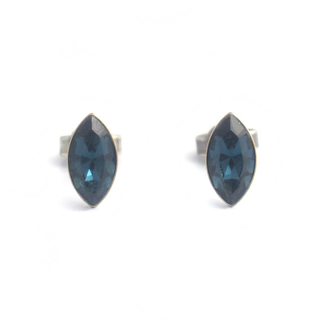 Oorknopjes met donker blauwe Swarovski kristallen