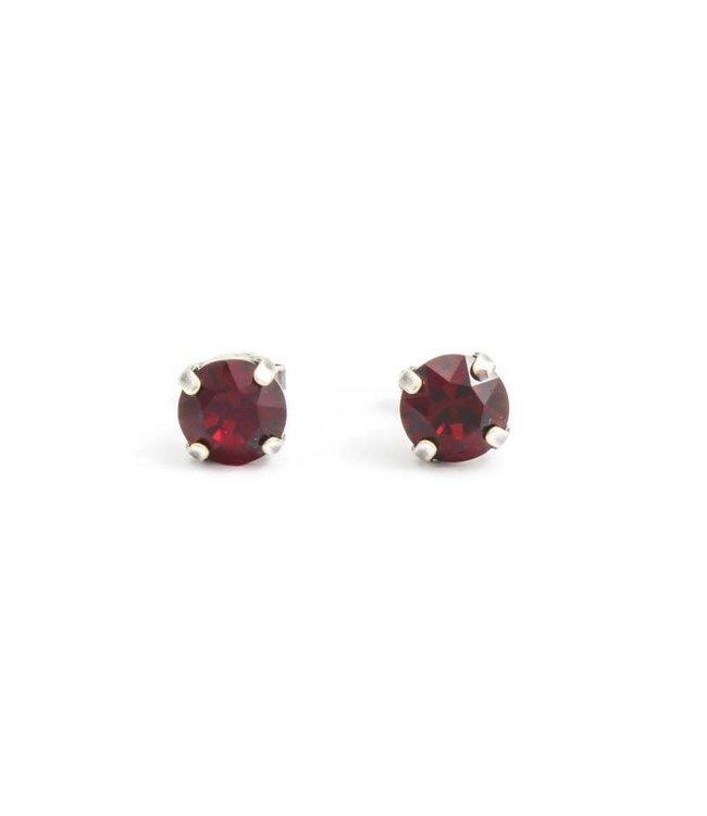 Krikor Verzilverde oorknopjes met 8 mm robijn rood kristal