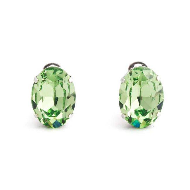 Licht groene oorclips met peridot kristal 18x14 mm