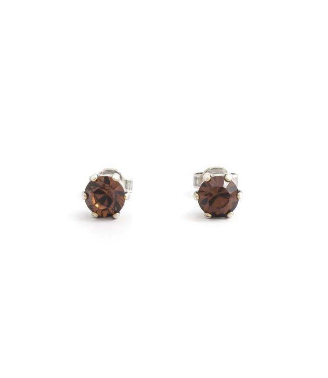 Krikor Verzilverde oorknopjes met 6 mm bruin kristal