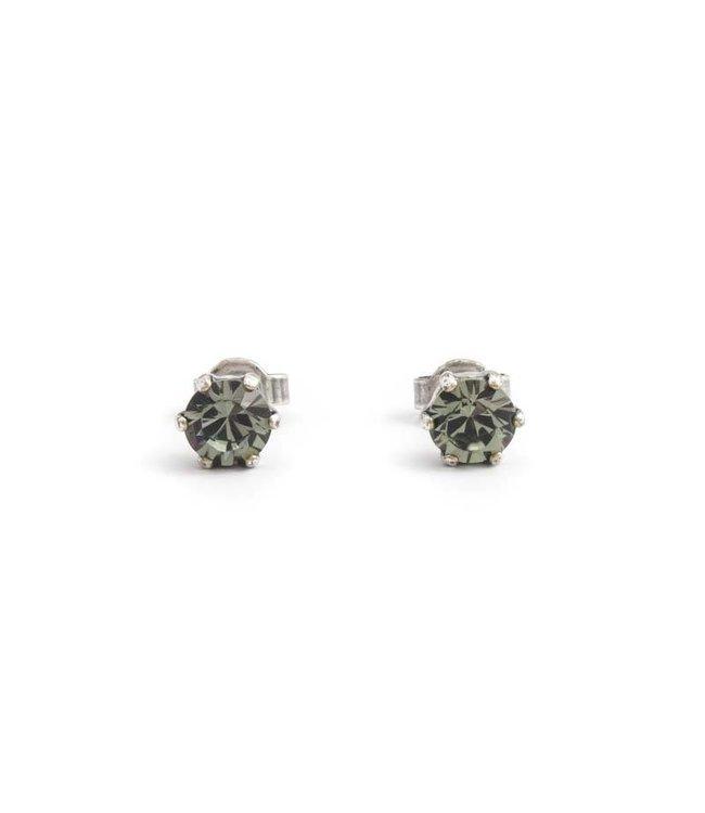 Krikor Verzilverde oorknopjes met 6 mm donker grijze kristallen