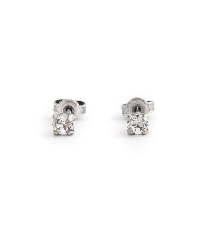 Krikor Verzilverde oorknopjes met 4 mm helder kristal
