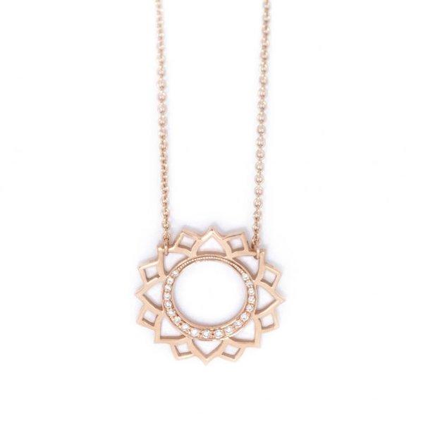 Vishuddha paved diamonds necklace