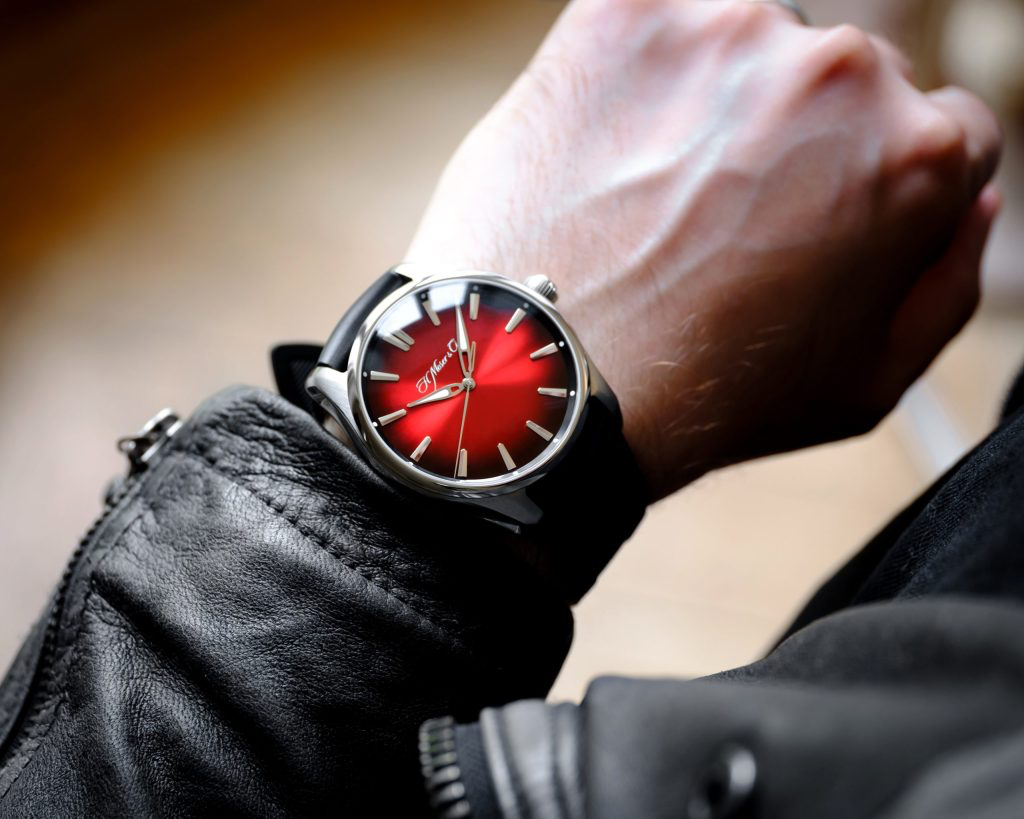 H. Moser & Cie PIONEER CENTRE SECONDS - SWISS MAD RED FUMÉ
