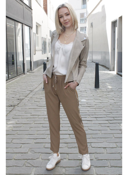 AA Angelica Trousers Camel Golden Detail
