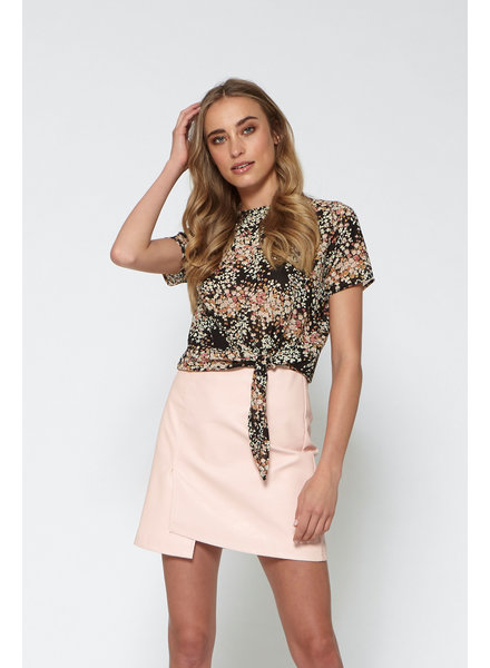 LM Michelle Top Flowers