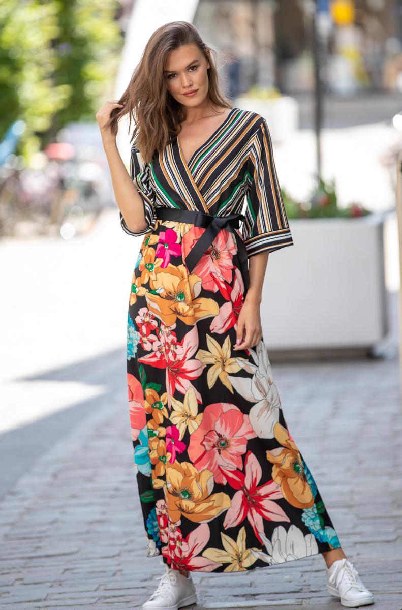 AT Annelies Dress Flowers & Stripes Black Tone