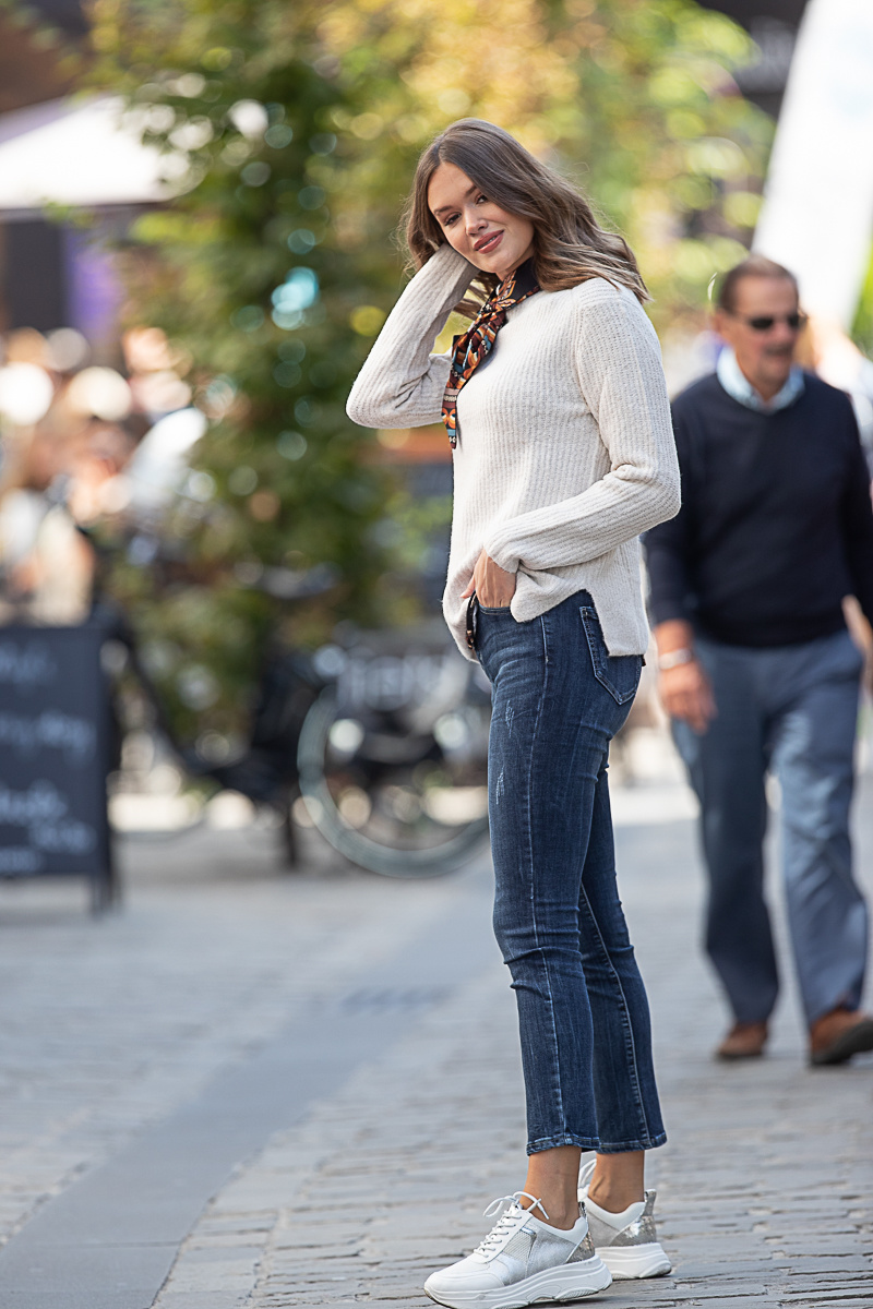 T3 Mid Waist Dark Jeans