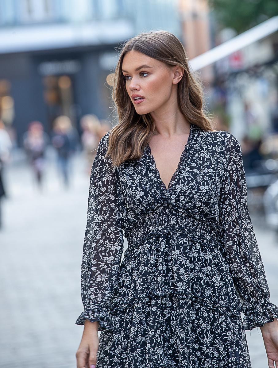 YW Axelle Dress Flora Black White