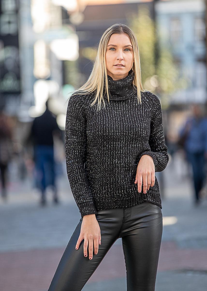 TS Lara Lurex Pull Black Coll