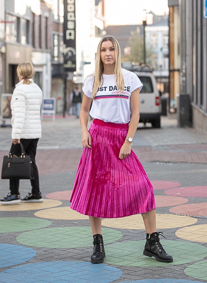 RC Pleated Velvet Skirt Fuchsia