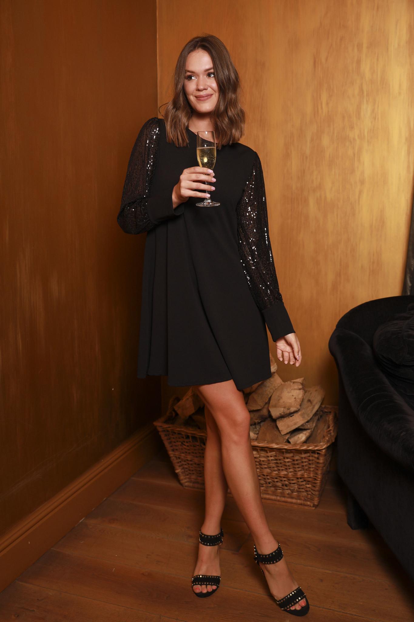 TS Black Dress Black Paillettes Sleeve
