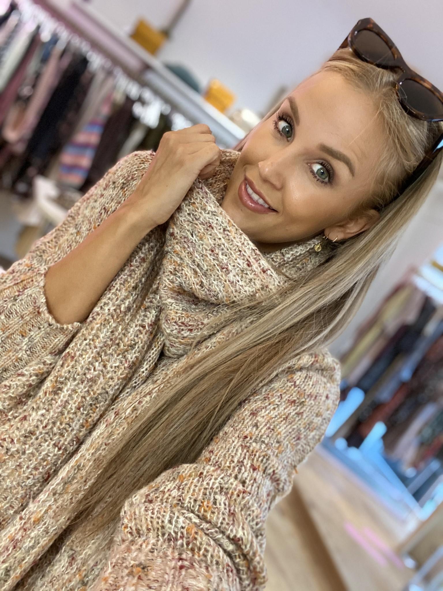 ES Colorful Sweater Collar