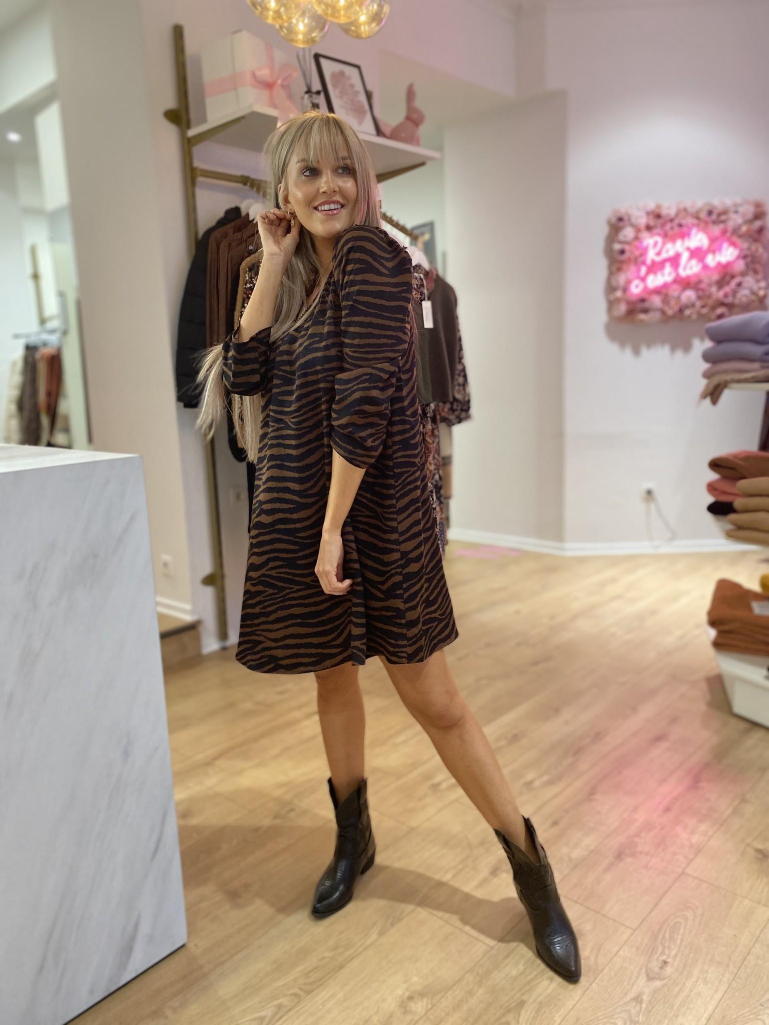 PE Delphine Zebra Dress