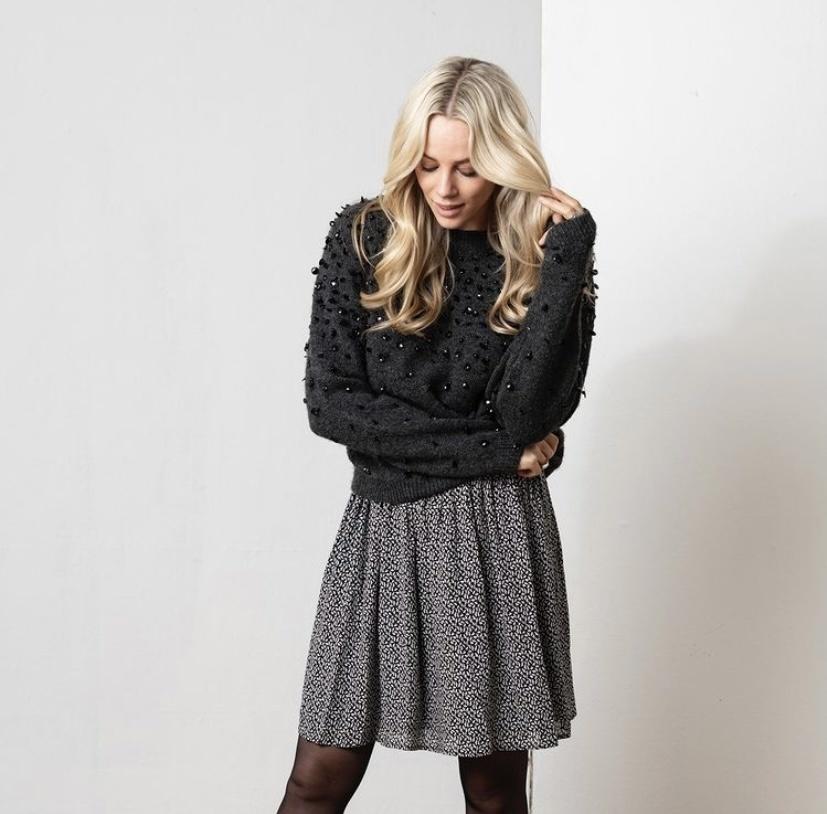 ES Skirt Minimalistic