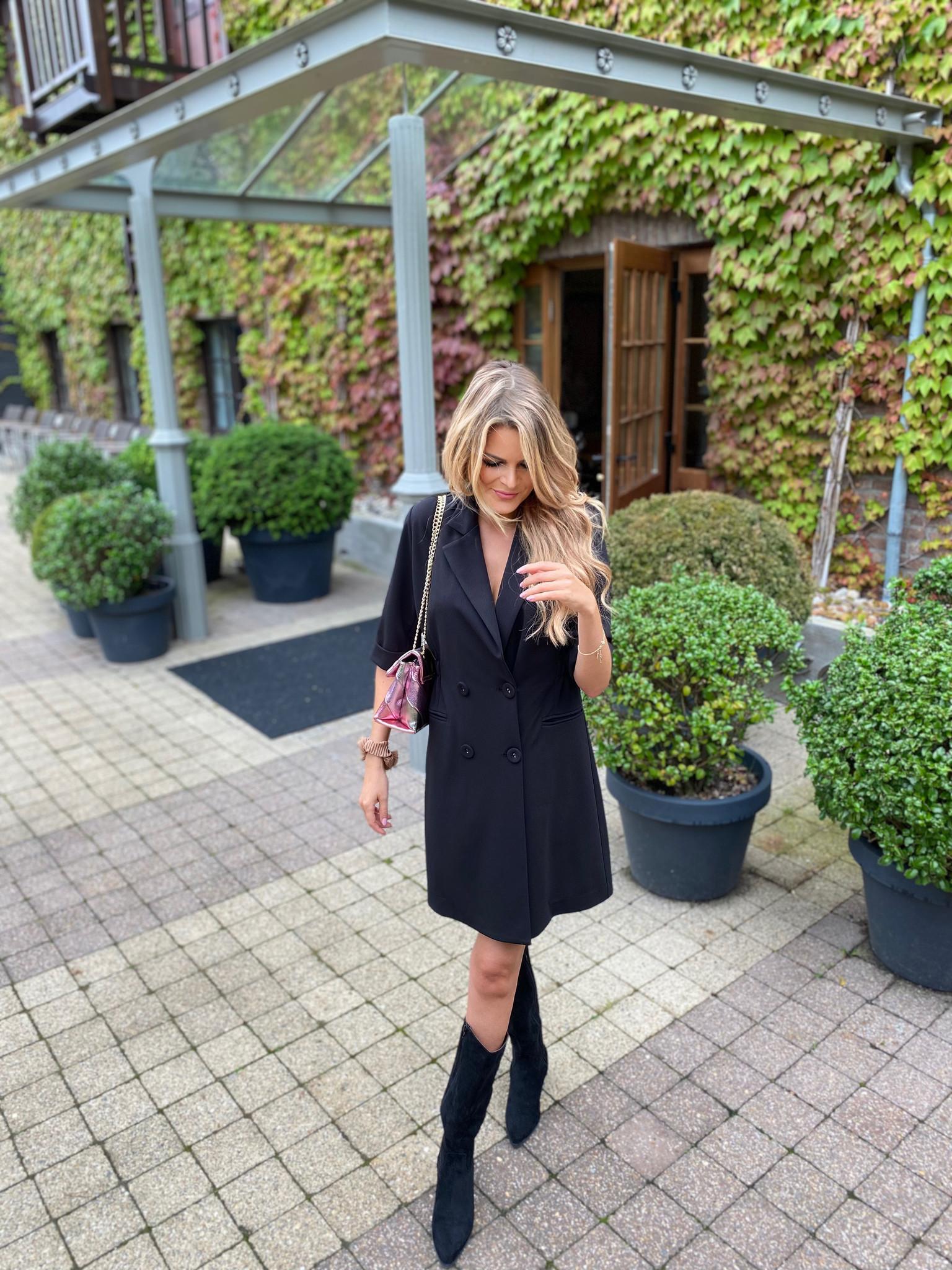 YENTLK Statement Dress Black