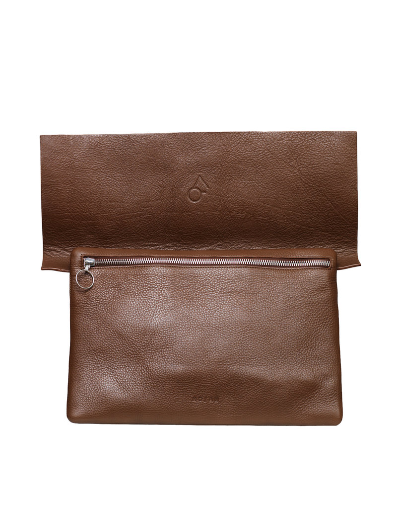 NO/AN Leather Clutch Brown
