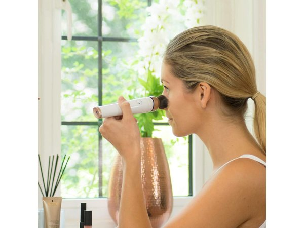 Magnitone Vibrasonic blending make-up borstel  WIT