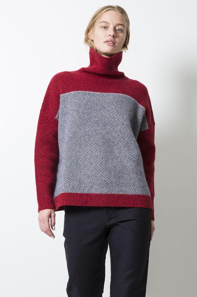 Le Mont Saint Michel pin point sweater