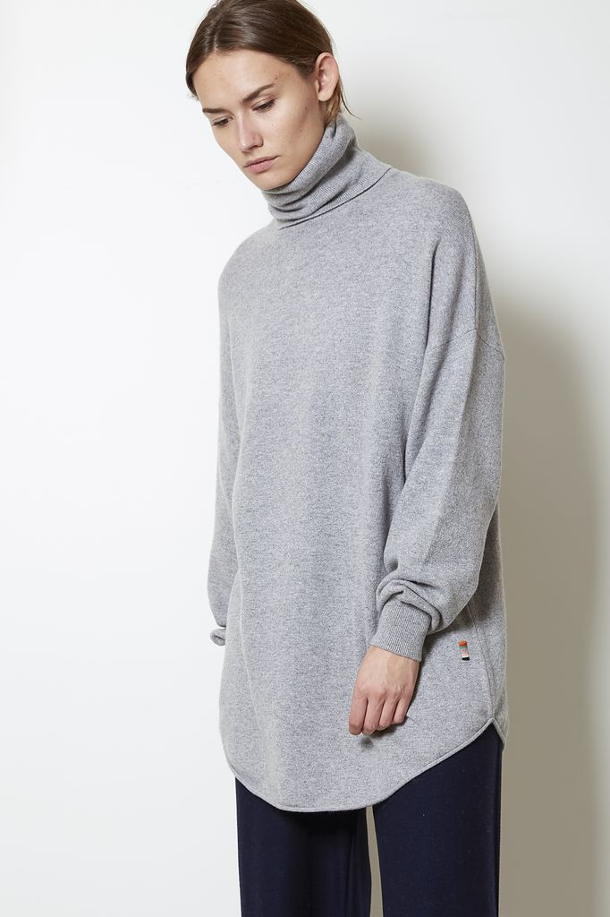 extreme cashmere n°52  roll turtle neck sweater