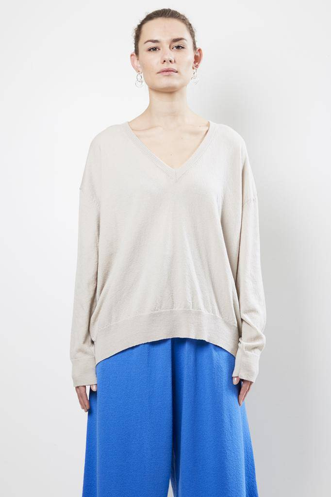 Christian Wijnants KILI VIRGIN WOOL V NECK SWEATER