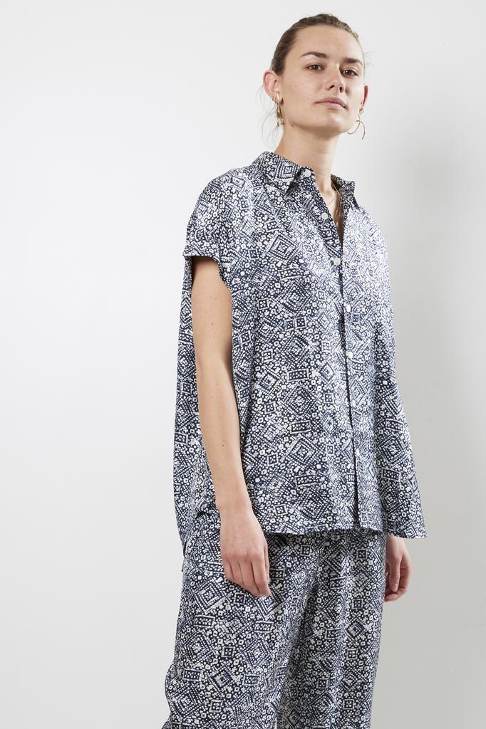 Bananatime - batik veins indigo cuffed s/s shirt