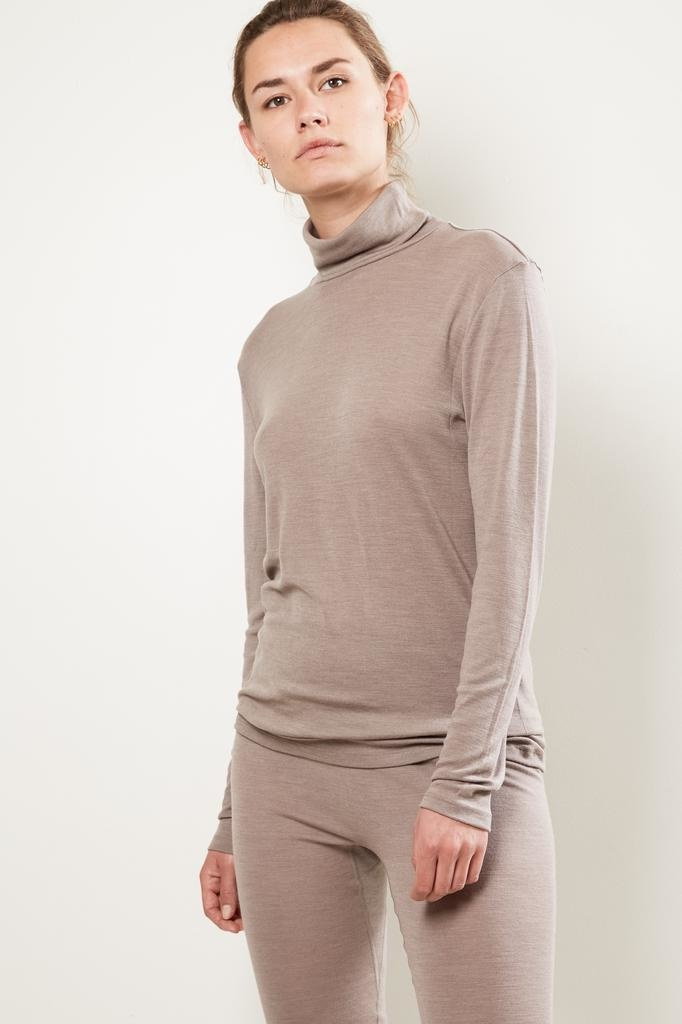 hanro - Hanro turtle Neck woolen silk shirt