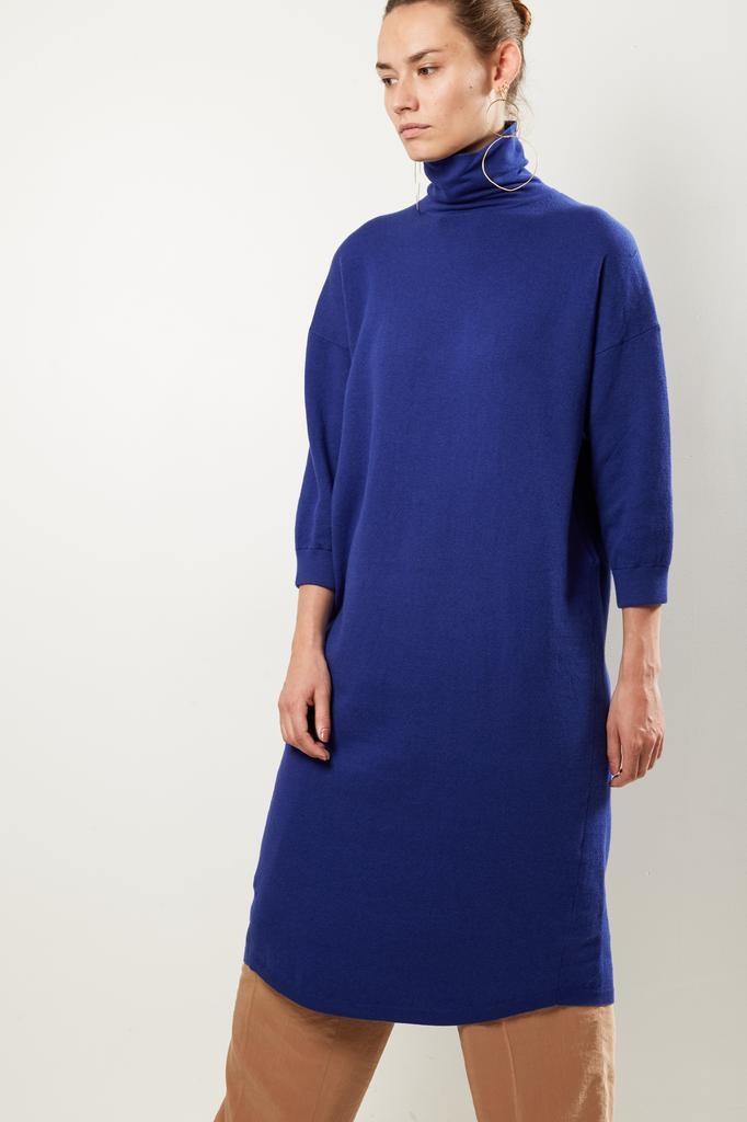 Humanoid Fergie fame dress
