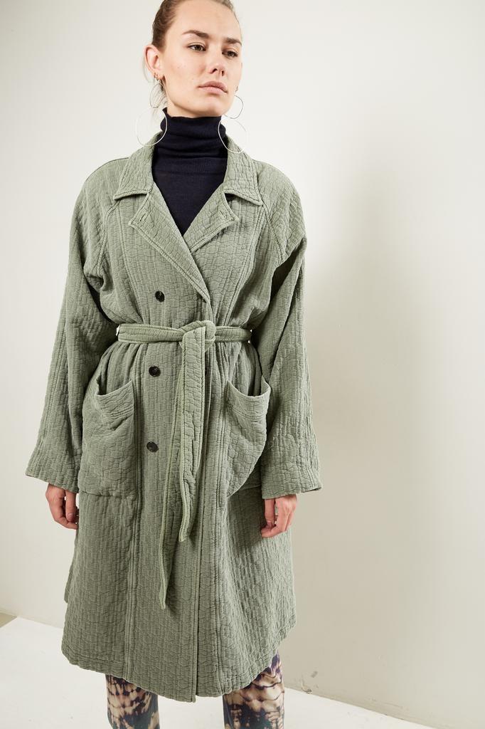 Raquel Allegra Raglanquilted cotton trench