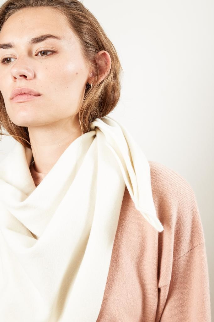 extreme cashmere Nº111 carre square scarf