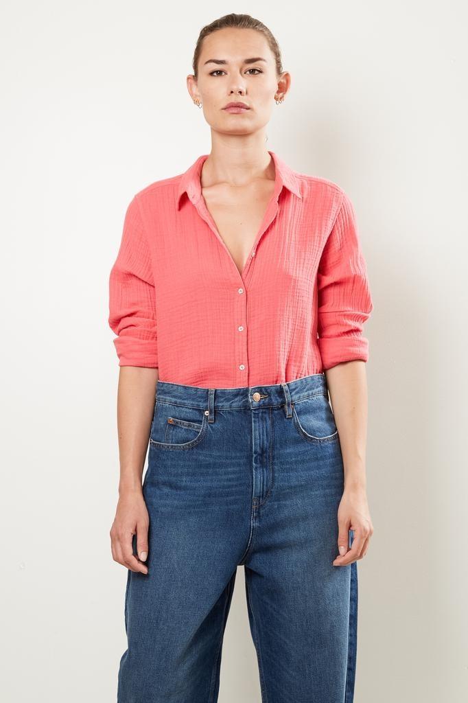 Xirena Scoout chelsea gauze shirt
