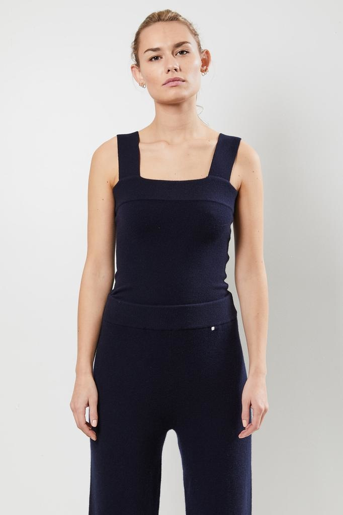 extreme cashmere - Nº127 CARA fitted square top