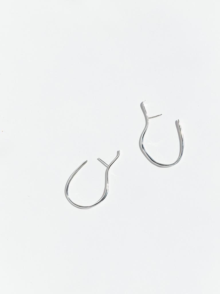 Faris Vinea hook earrings silver