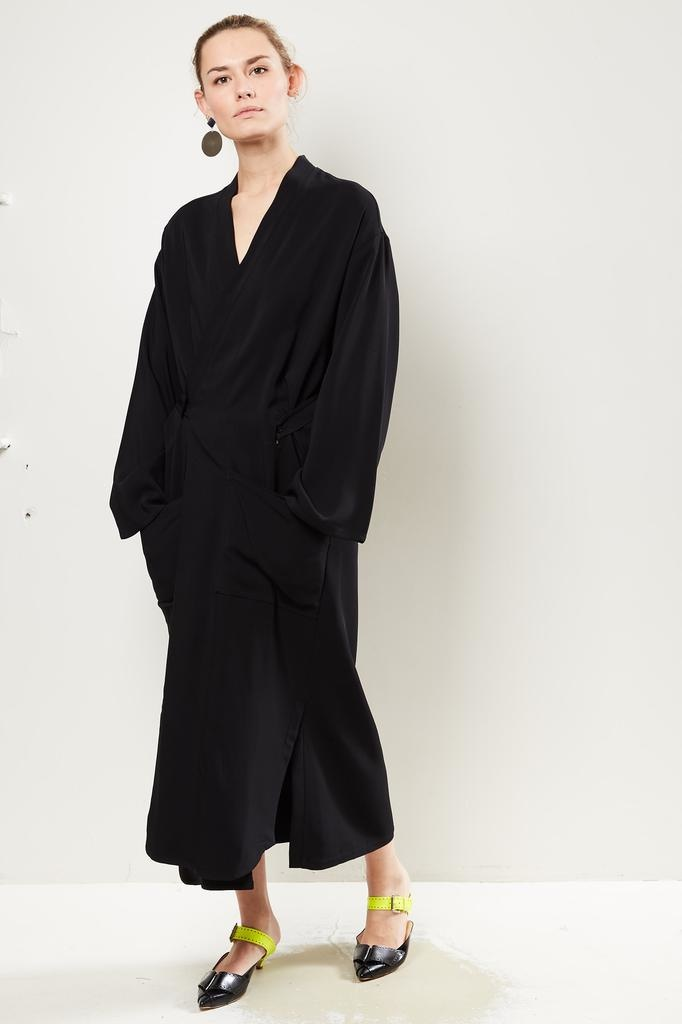 Monique van Heist Kimono black stretch coat dress