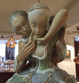 FINE PORCELAIN FIGURE 形象灵感来自童话的精美瓷器