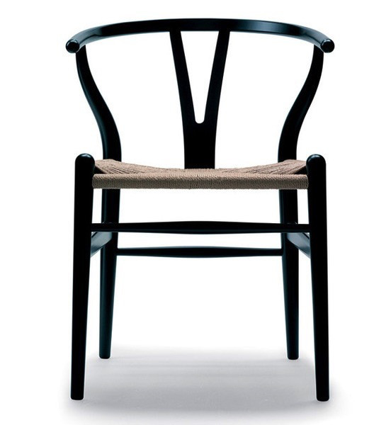CH24 WISHBONE CHAIR IN BLACK LACQUER BEECH (DISPLAY)
