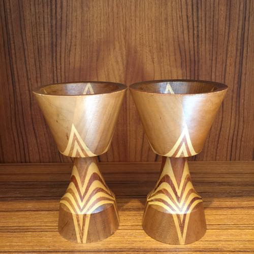 PAIR OF INTARSIA WOOD CANDLESTICKS, SIGNED S.G, SWEDEN c.1920, DIA 7 x H14CM