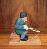 PAINTED WOOD CARVING 老瑞典人钓鱼油彩木雕刻