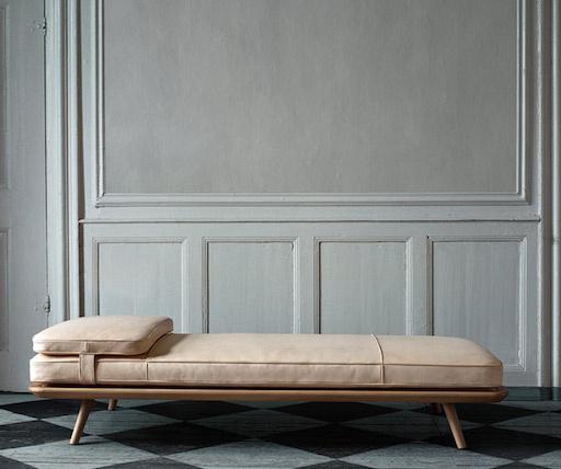 1710 SPINE沙发床白色漆橡木框架