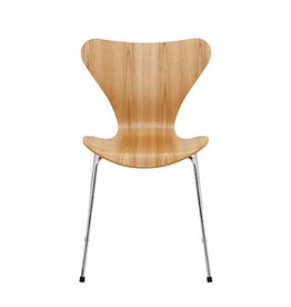 SERIES 7 CHAIR STACKABLE IN LAMINATED OAK VENEER