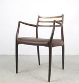 MØLLER  型号 62 油妝胡桃木扶手椅