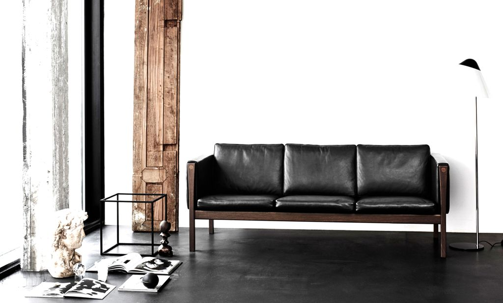 CARL HANSEN & SON CH163 3-SEATER SOFA IN BLACK LEATHER