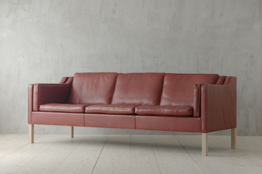 2213 THREE-SEATER SOFA