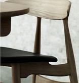 CH33P DINING CHAIR IN OILED OAK WITH SIF LEATHER SEAT
