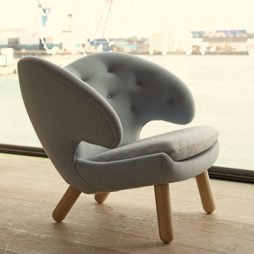 THE PELICAN CHAIR