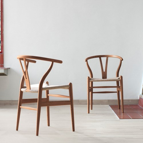 CH24 WISHBONE CHAIR IN CHERRY