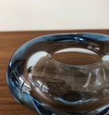 1950年代淡蓝色玻璃小型心花瓶