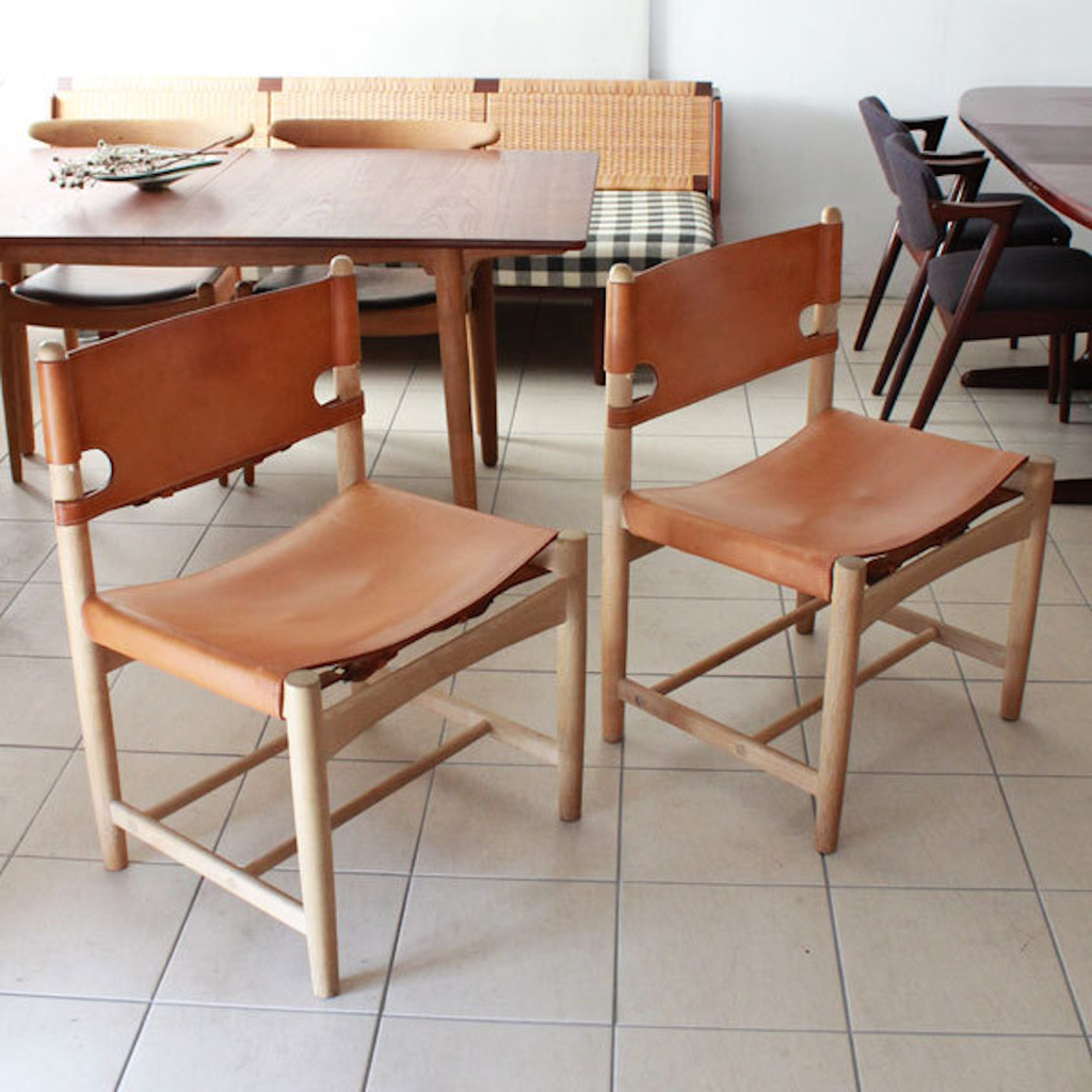 THE SPANISH DINING CHAIR W/O ARMS